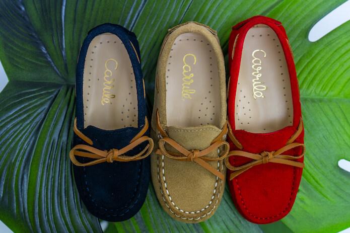 125b4fe5ae Y como nos hemos puesto en plan arregladito, os enseño los zapatos de  ceremonia para niña que han tenido esta temporada. Por cierto, los he  encontrado ...